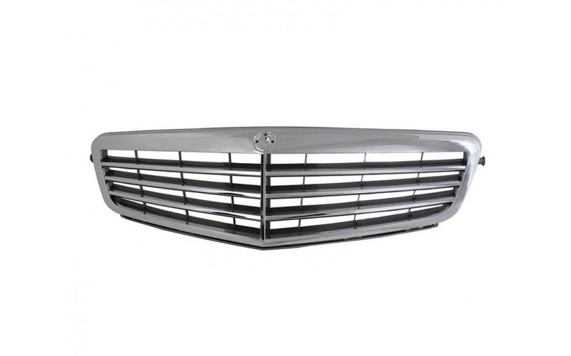 Решетка радиатора Mercedes W204 07-