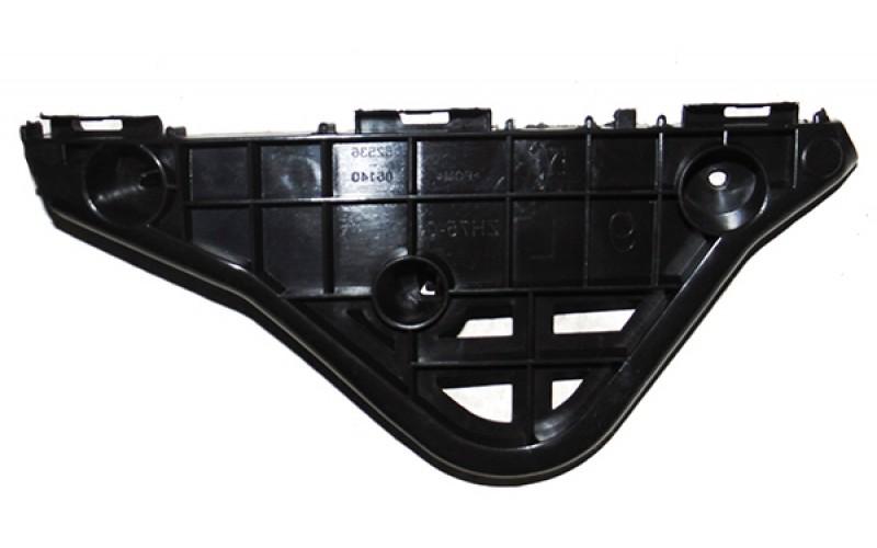 Кронштейн переднего бампера правый Toyota Camry V50 11-