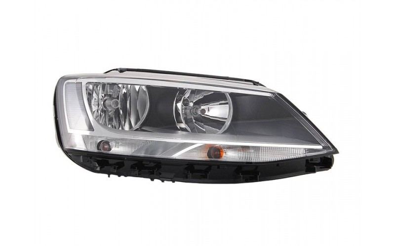 Фара правая Volkswagen Jetta 11-15