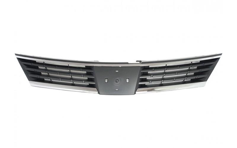 Решетка радиатора Nissan Tiida 07-14